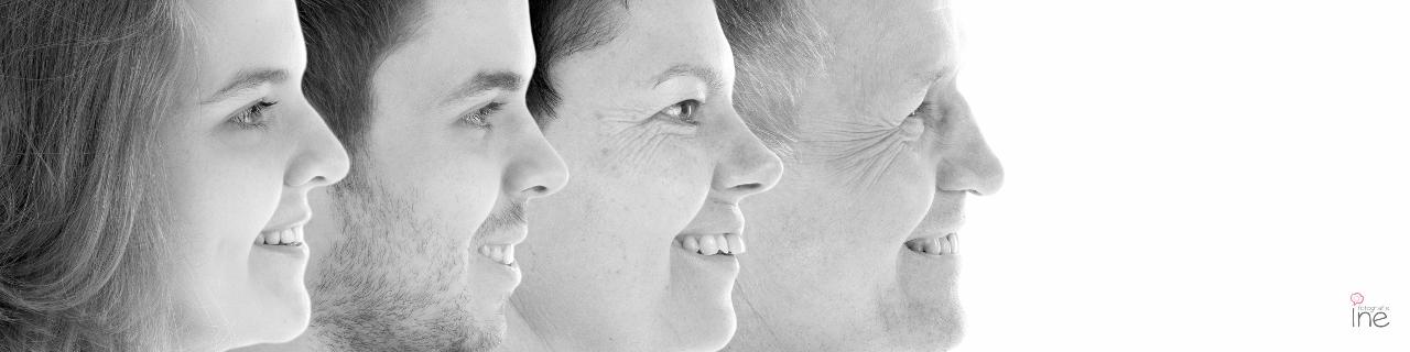 Fotografie Ine collage 4 gezichten zw met logo (1280×320)