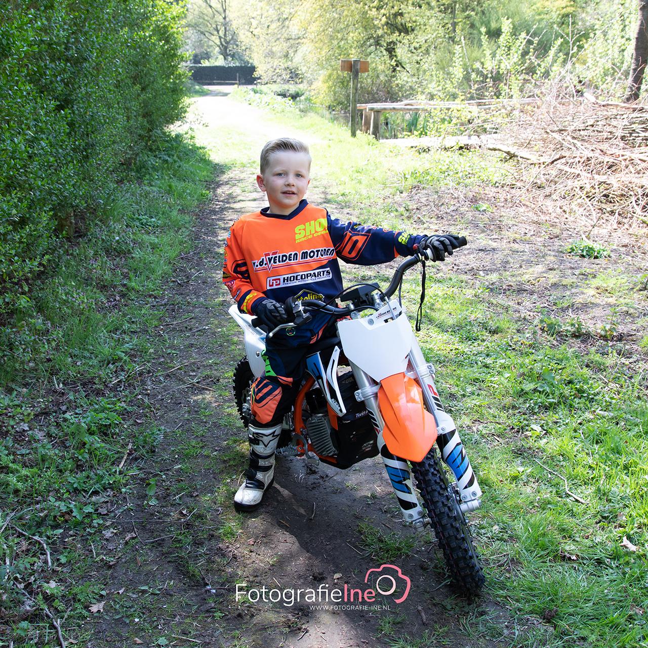 Fotografie Ine motorcrosser Sem van der Velden Boekel